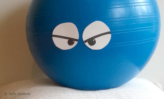 Jumppapallo ja minä emme ole ystäviä Kuva: Terhi Jaakkola