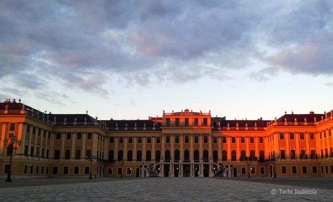 Palatsi Wienissä. Kuva: Terhi Jaakkola